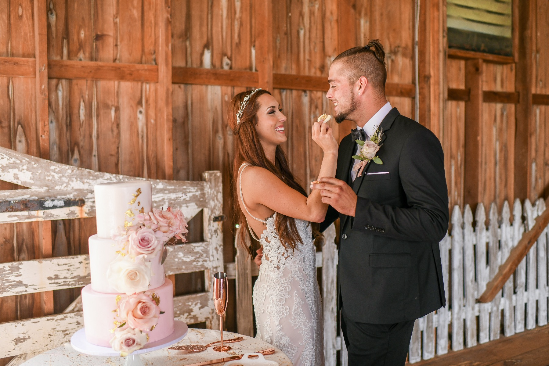 Spray Roses at Marriage Decorations